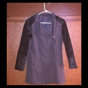 Gray coat with faux leather sleeves - Sz Small